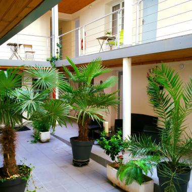 Hotel Clairefontaine - Patio